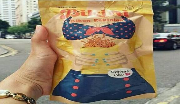 Foto Snack Bikini Bihun Kekinian Bertulis Remas Aku